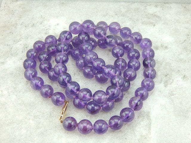 Simple Hand Knotted Amethsyt Bead Necklace
