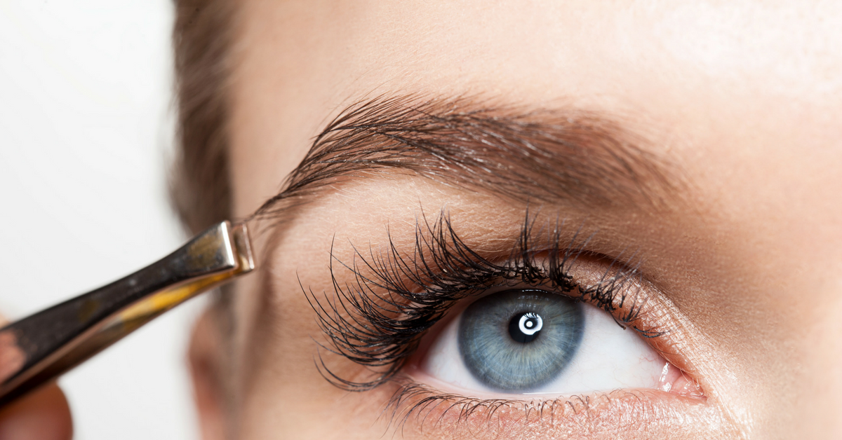 How To Tweeze And Perfectly Shape Your Eyebrows