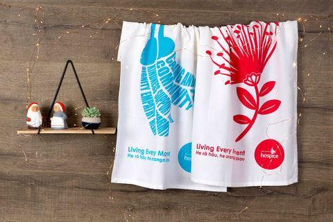 Pōhutakawa and kōwhai tea towel gift set
