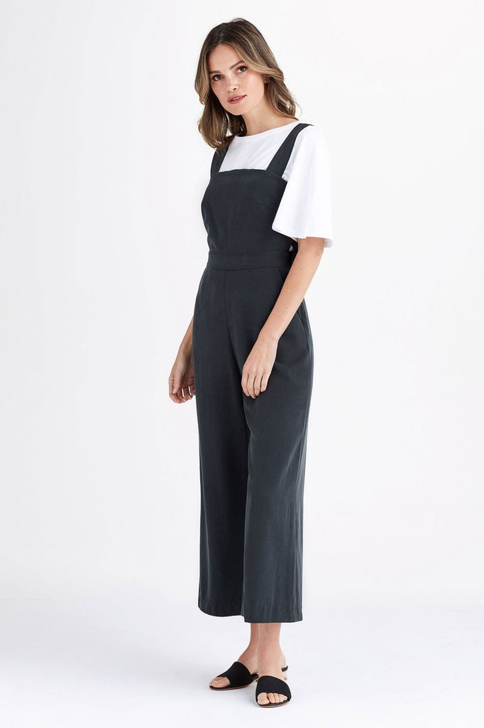 VETTA The Apron Jumpsuit capsule wardrobe