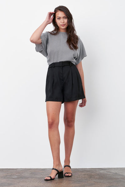 VETTA The Belted Pleated Short capsule wardrobe