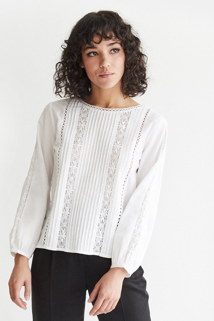 VETTA The Lace Button Up Blouse capsule wardrobe
