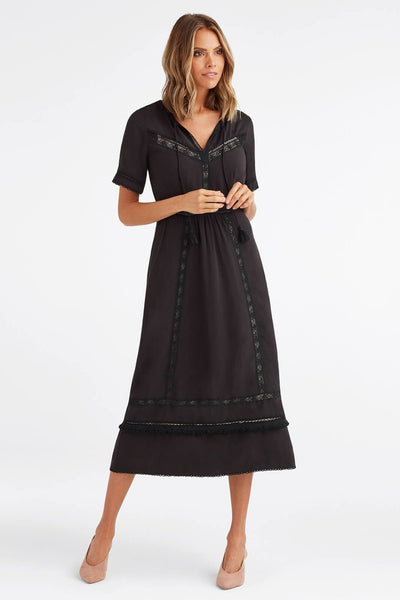 VETTA The Lace Midi Dress capsule wardrobe