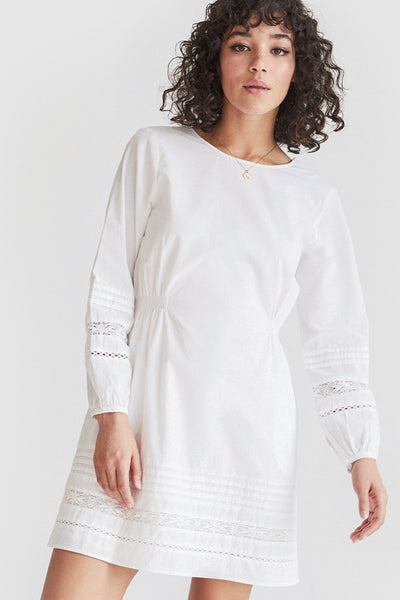 VETTA The Long Sleeve Lace Dress capsule wardrobe