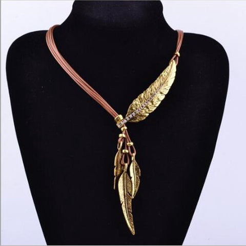 Jewelry - Arania -  Rope Chain Leaf Feather Pattern Pendant Necklace