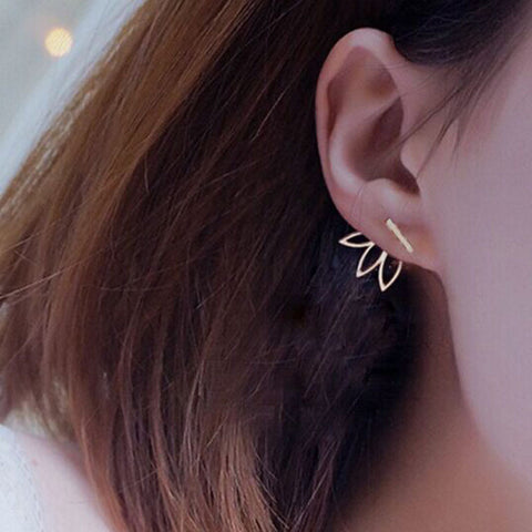Hollow flower stud earring