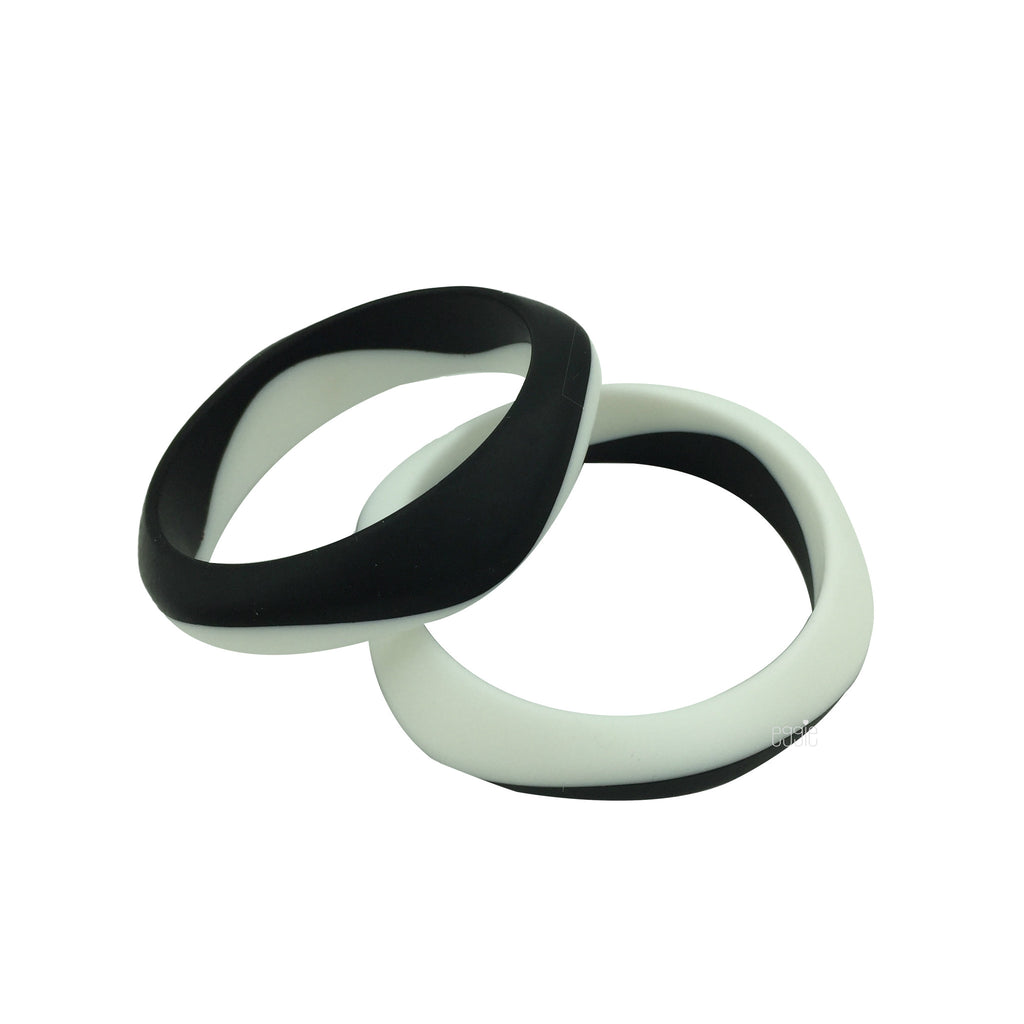 Silicone Smooth Teething Duo Bangle - Black & White - eggie baby