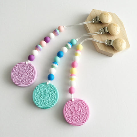Silicone Cookie Teether with Clip - Color Cookies - eggie baby