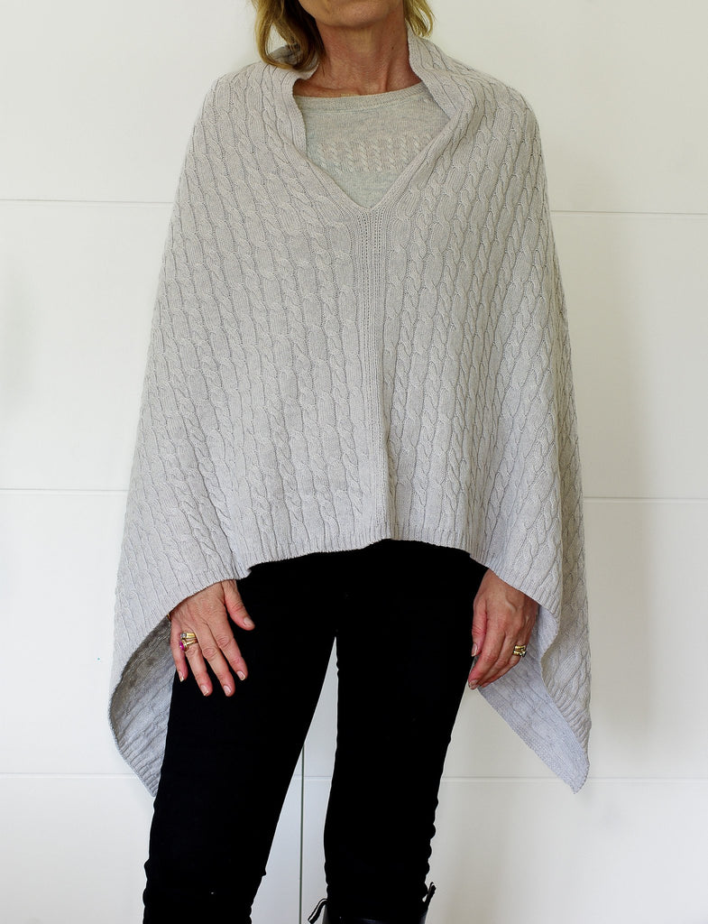 SCA 3-Ply Cable Knit Poncho - Potash / Light Silver