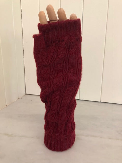 4-ply cable knit cashmere wristwarmers - Russett Red