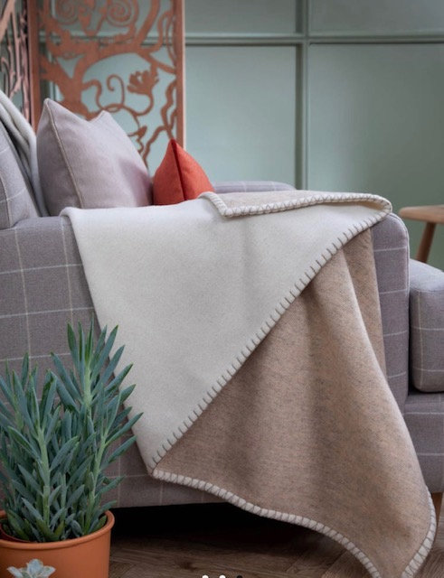 Cashmere/Merino Reversible Blanket Stitched Bed Throw - Ecru / Driftwood