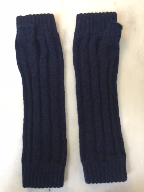4-ply cable knit cashmere wristwarmers - Navy