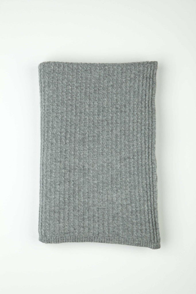 Cashmere Neat Cable Knit Throw - Light Grey