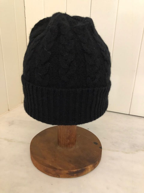 3-ply Beanies | Black Cable Knit