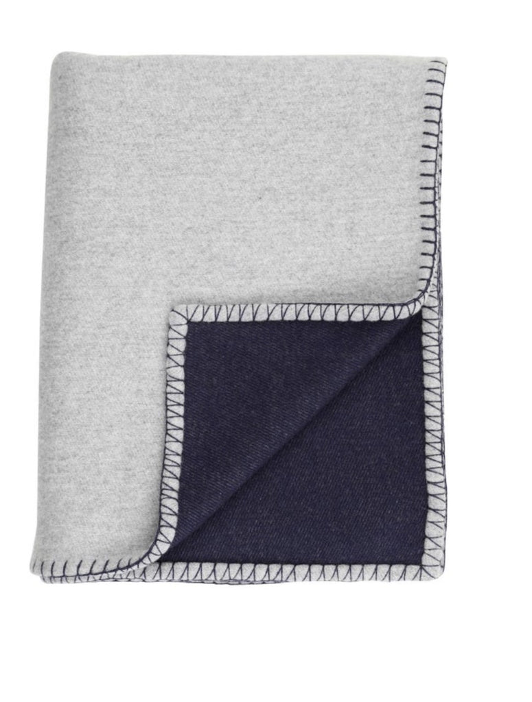 Reversible cashmere and merino blanket stitched throw - Silver / Navy