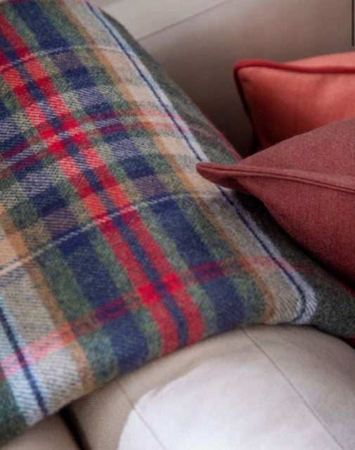 Lambswool Double Face Check Throw | Green