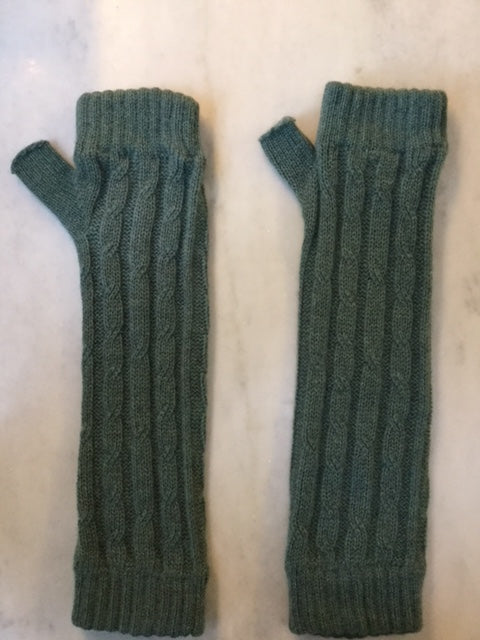4-ply cable knit cashmere wristwarmers - Sea Green
