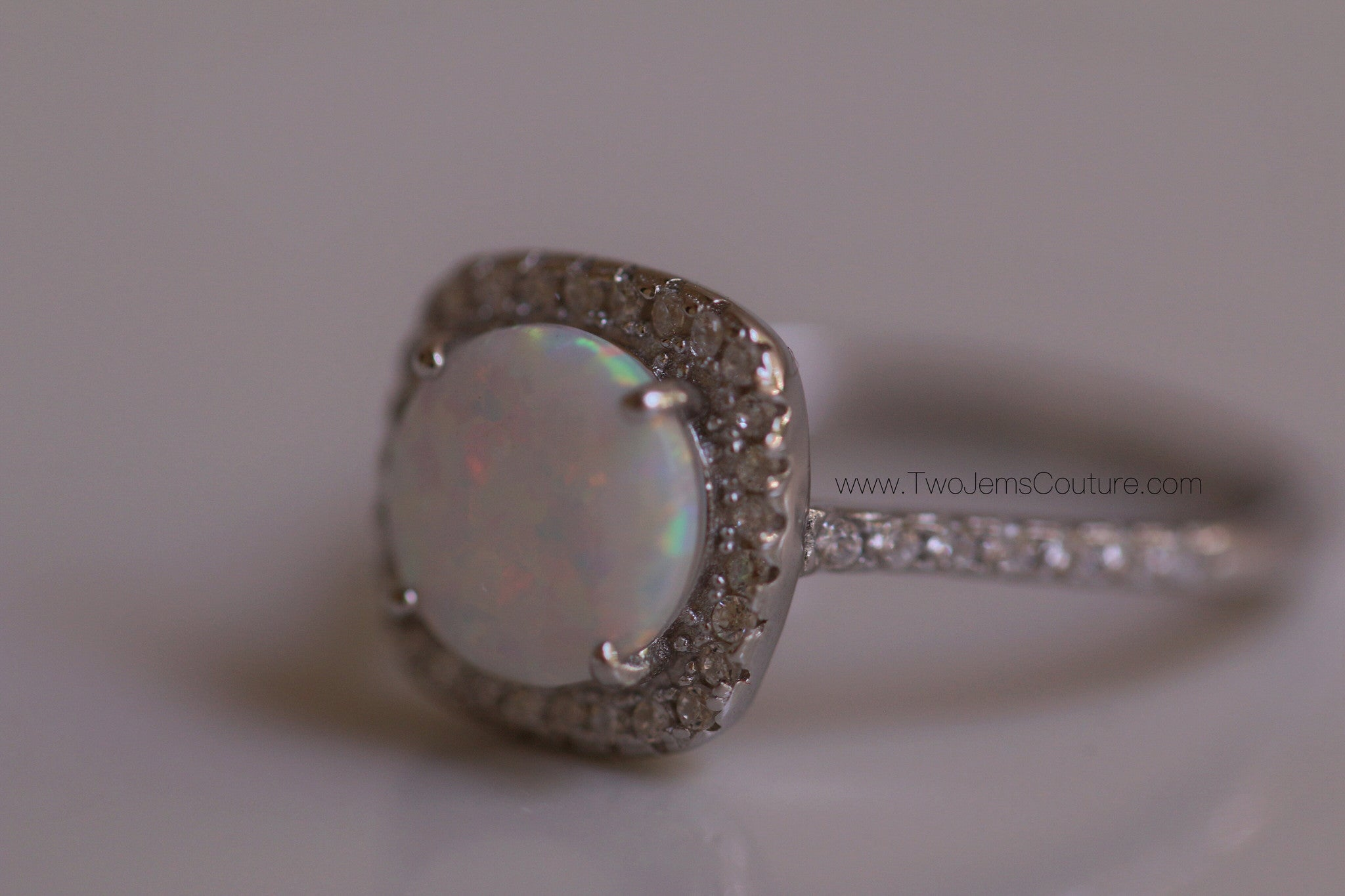 Queen Aurora Ring