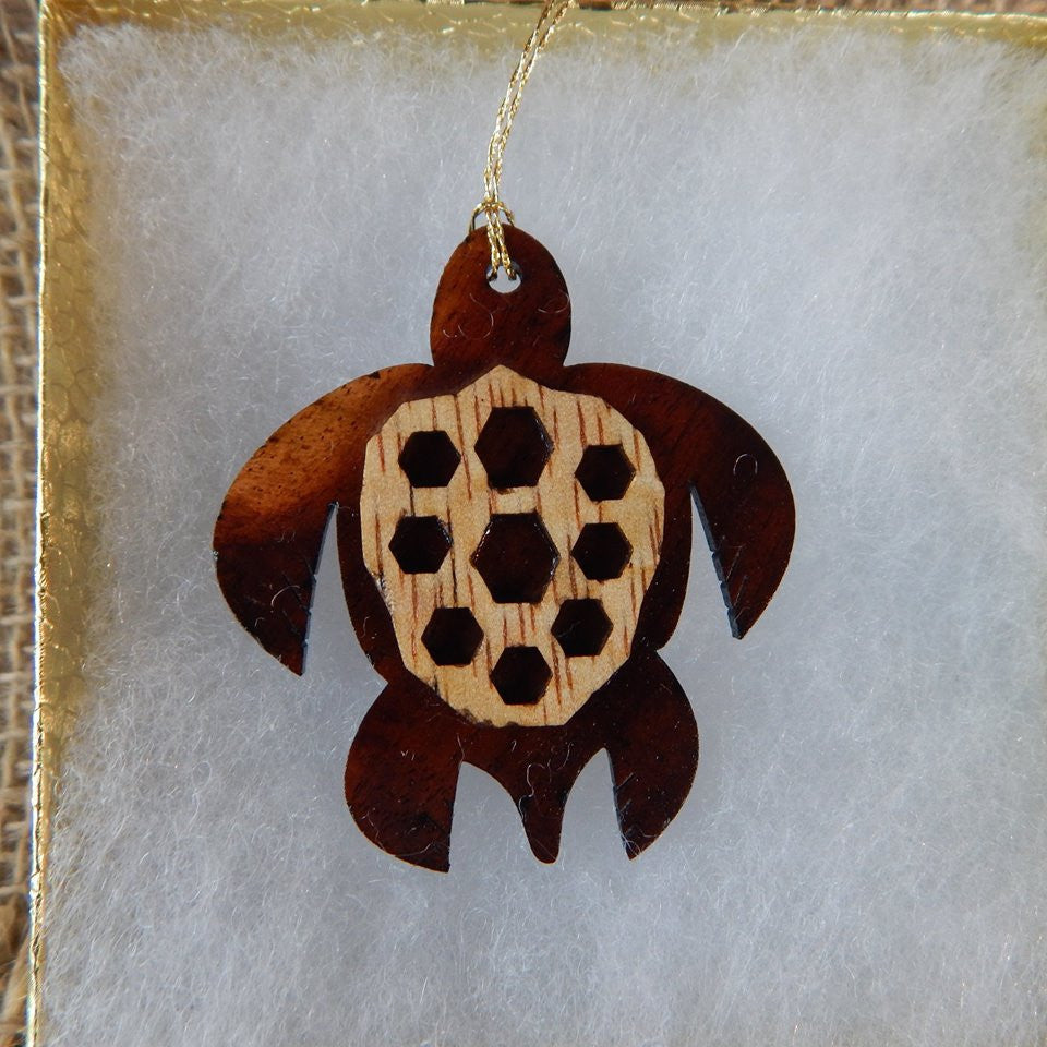 Festive Honu Shell Pattern Ornament - Hawaii Bookmark