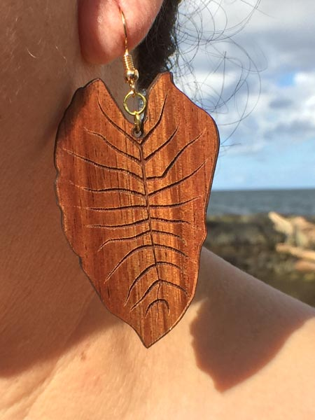 Kalo Koa Wood Earrings - Hawaii Bookmark