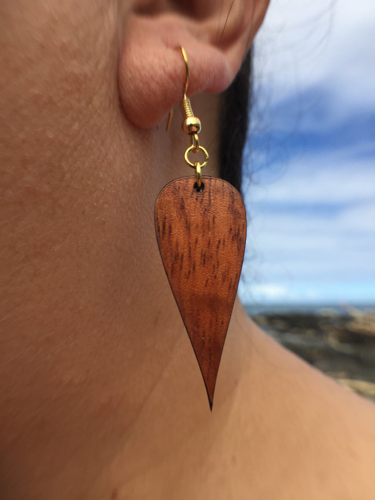 Beautiful Kū Koa Wood Earrings - Hawaii Bookmark