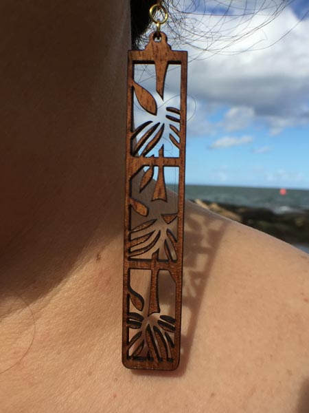 Ohe Koa Wood Earrings - Hawaii Bookmark