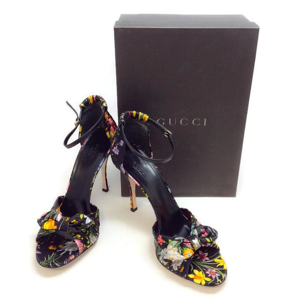 Silk Classic Floral Sandal by Gucci with box
