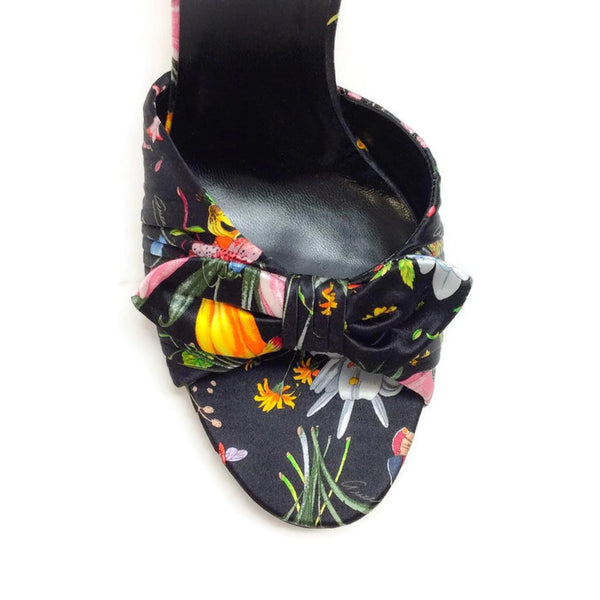 Silk Classic Floral Sandal by Gucci toe