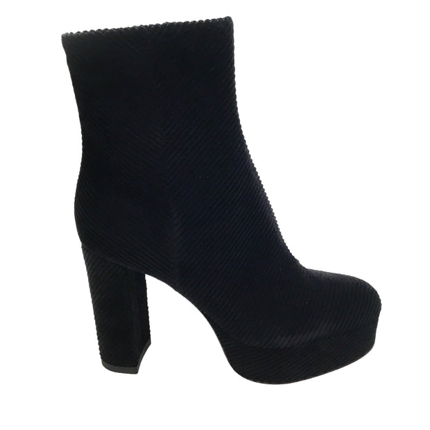 Gianvito Rossi Black Mandy Corduroy Boots/Booties