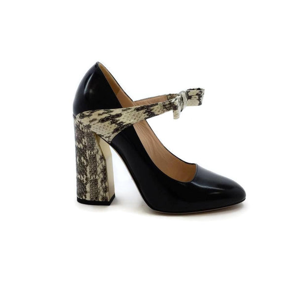 ec90c71db36 Gucci Black Nimue Snakeskin Pumps – Roundabout Resale Couture