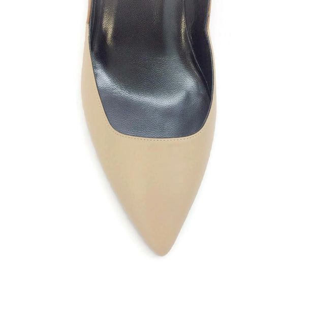 Two-toned Kitten Heel Beige / Camel by Pierre Hardy toe
