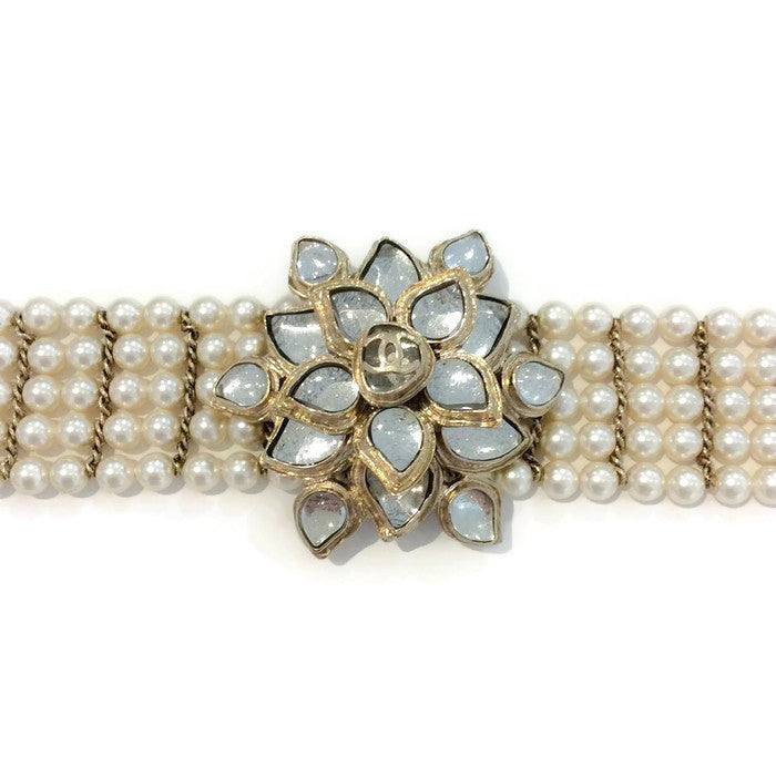 Pearl and Gripoix Belt by Chanel detail