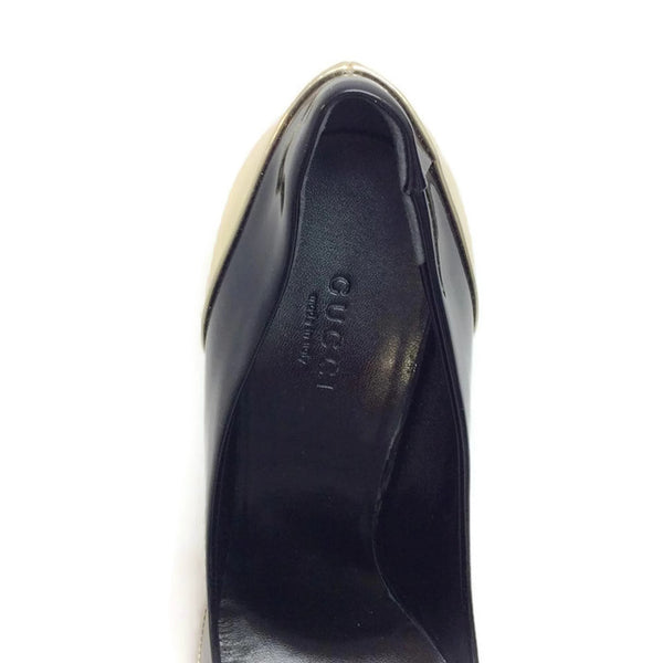 Patent With Bamboo Bit Black / Gold Pumps by Gucci logo
