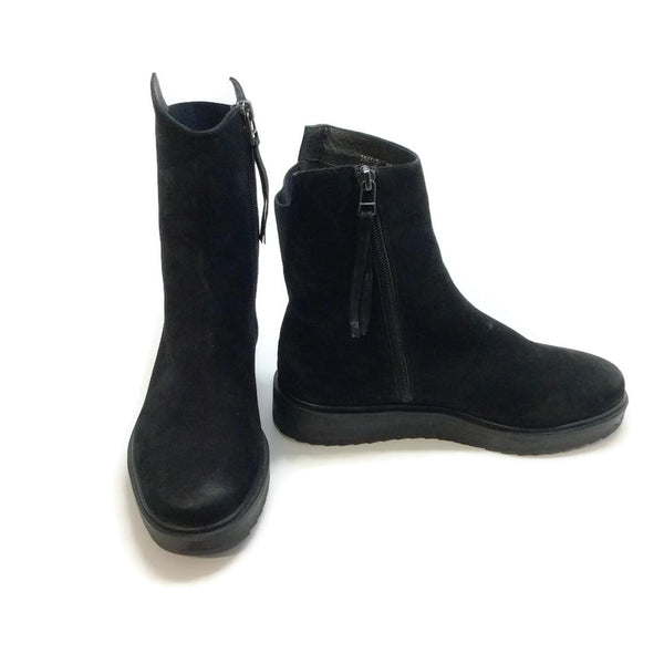 Claetyn Wood Black Suede Boots, left inside