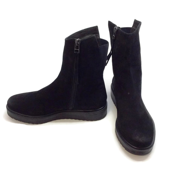 Claetyn Wood Black Suede Boots, right inside