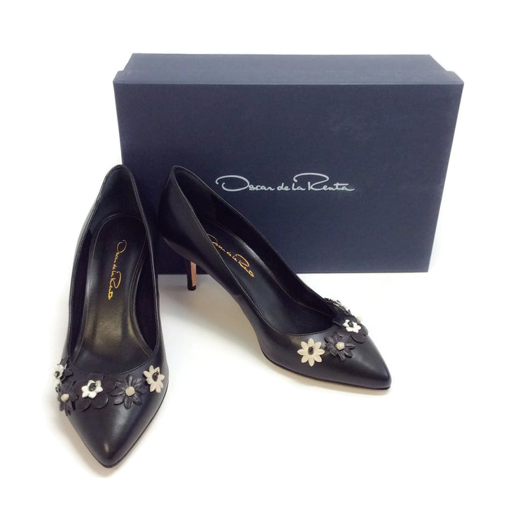 Oscar de la Renta Black Carrie Pumps