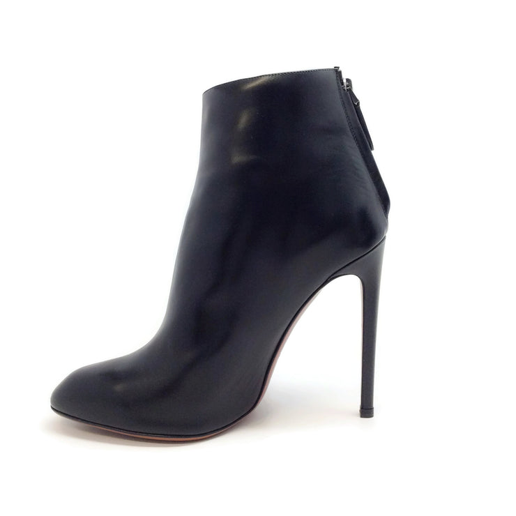 ALAÏA Black Leather Buckle Embellished Boots