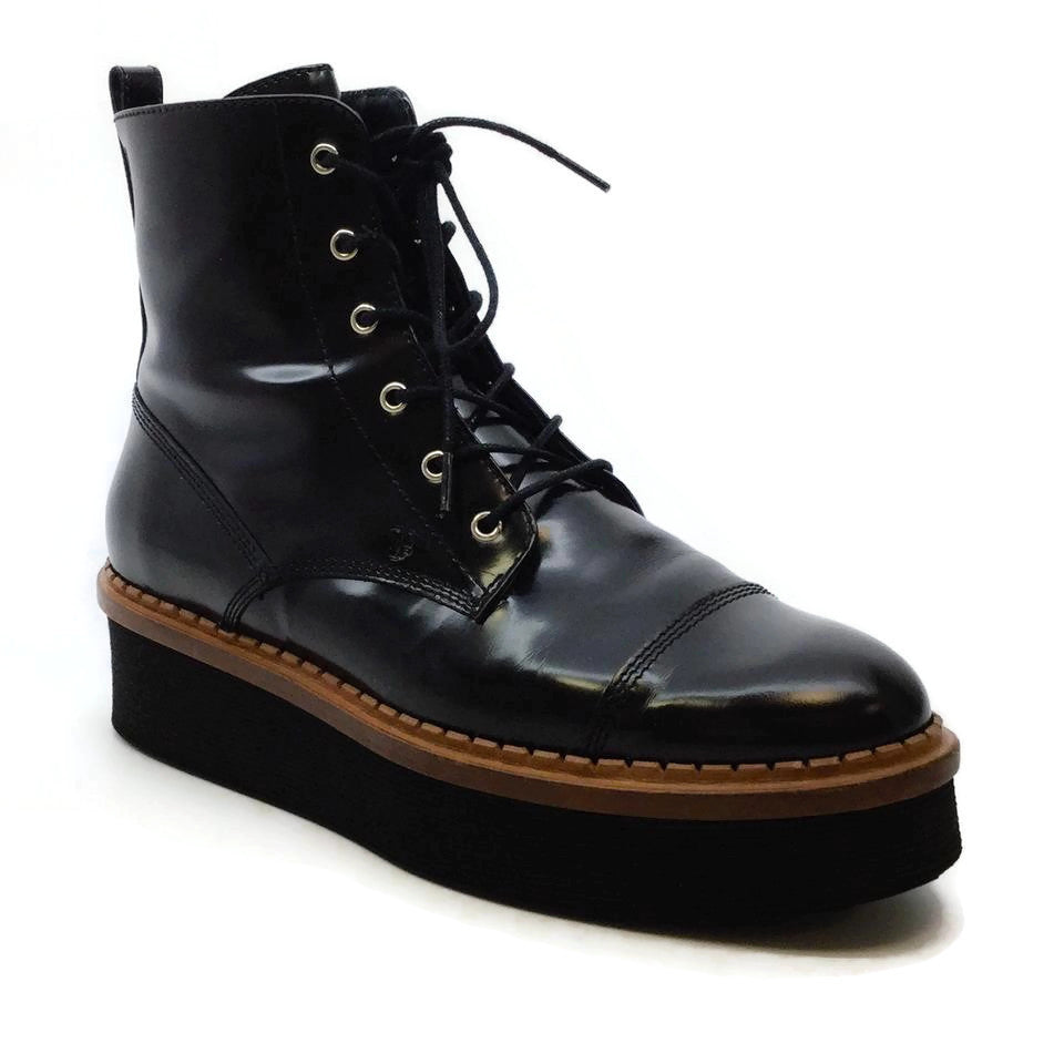 Tod's Black Lace Up Boots/Booties