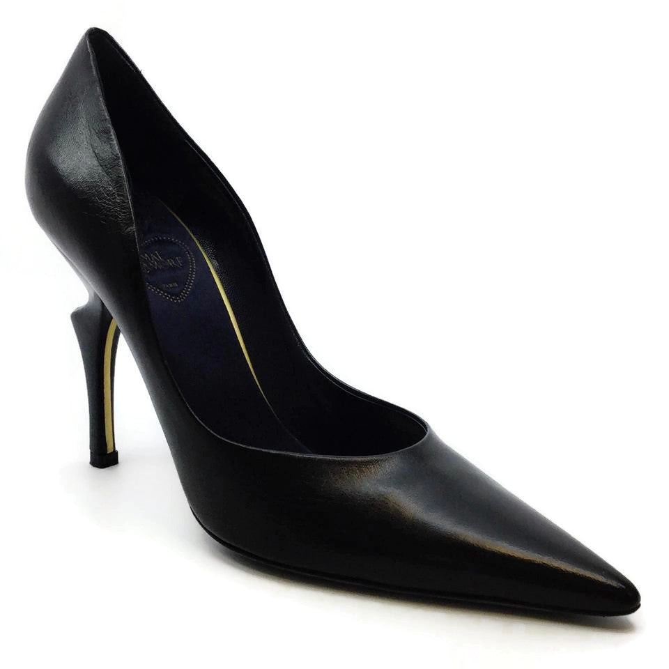 Black Leather Sculpted French Pumps