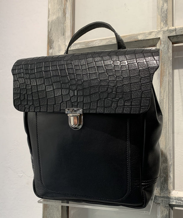 Elektra - soft black leather backpack with brown croco design WT/283M