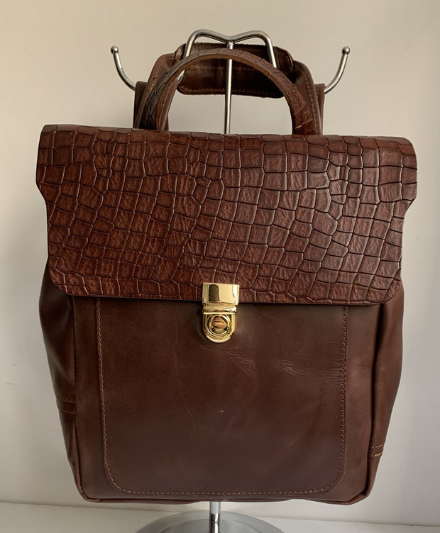 Elektra - Pullup brown leather backpack with snake design WT/283K