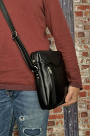 """Iason"" - midsize men's crossbody bag handcrafted from soft black leather WT/AN2M"