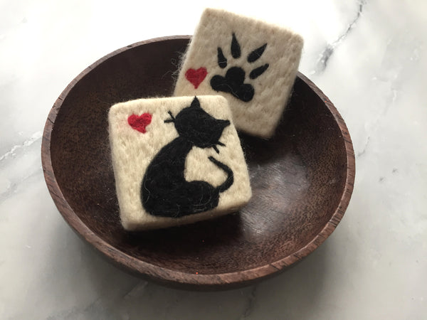 Set of 2 Cat&Paw Felt Soap, Needle Felted Bar Soap, Handmade Felted Wool Soap Scrub, Natural Exfoliate Soap, Beauty Gifts