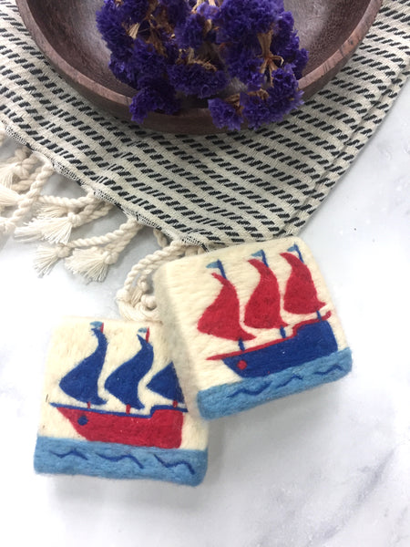 Set of 2, Red&Navy Kalyon Design Felt Soap, Washcloth Soap Bar With Ship Figure, Olive Oil Natural Soap, Handmade Felted Wool Soap Scrub, Natural Exfoliate Soap, Art, Beauty Gifts - AHENQUE