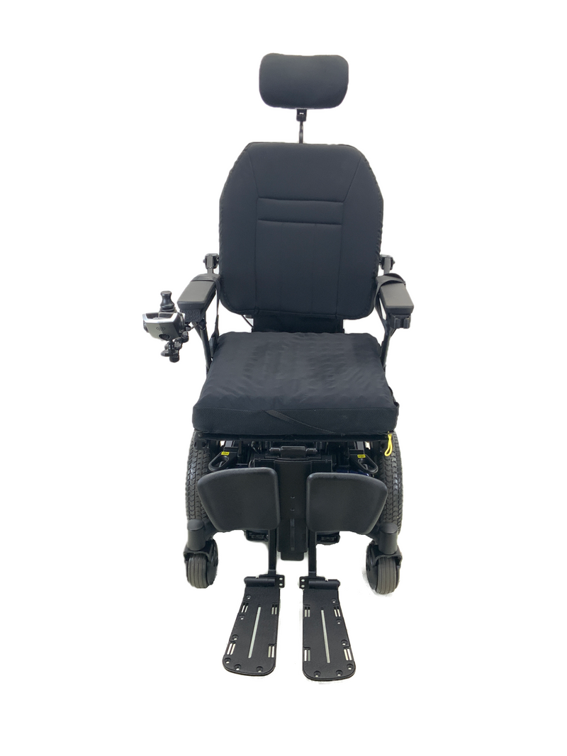 Front of Quantum Q6 Edge HD Power Chair | 19 x 21 Seat | Tilt, Recline, Power Legs | Only 12 Miles