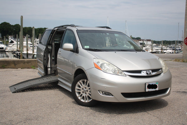 2008 Toyota Sienna XLE Wheelchair Accessible Handicap Van | Low Mile - Power Chairs Test