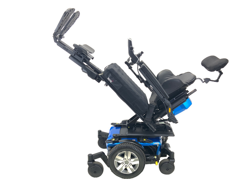"Tilted and leg elevated 2018 Quantum Q6 Edge 2.0 iLevel Power Chair | 18"" x 20"" Seat 