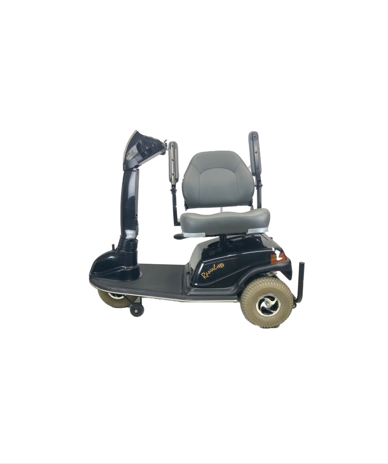 Seat swivel on Rascal 600T Electric 3-Wheel Scooter  Seat Elevating Capabilities  450 lbs. Weight Capacity  19 x 16 Seat  Lighting Kit
