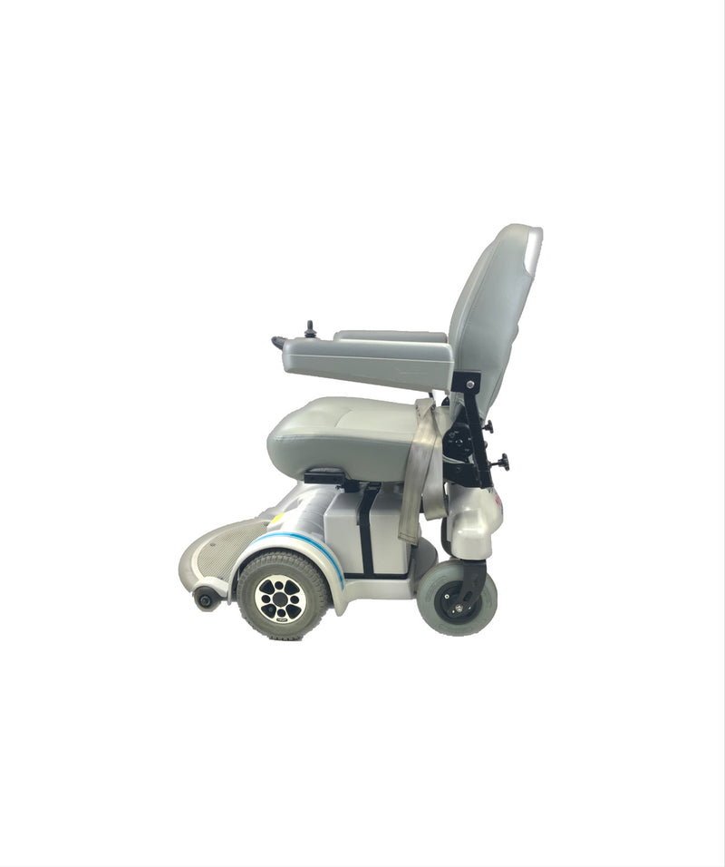 Side of  Hoveround MPV5 Power Chair  21 x 20 Seat  300lbs Weight Capacity
