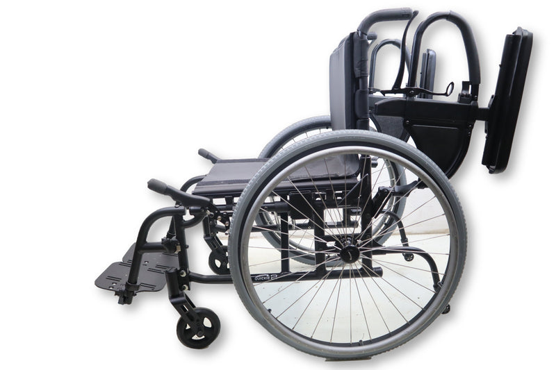 "Quickie 2 Manual Lightweight Wheelchair Modular Frame | 18""x17"" 